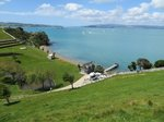 Waiheke Whites Bay: View of beach-front holiday house Waiheke