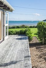 Waiheke Como Bach: Oneroa waterfront holiday house