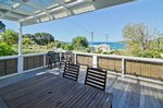 Waiheke A Bach: Front deck off master bedroom