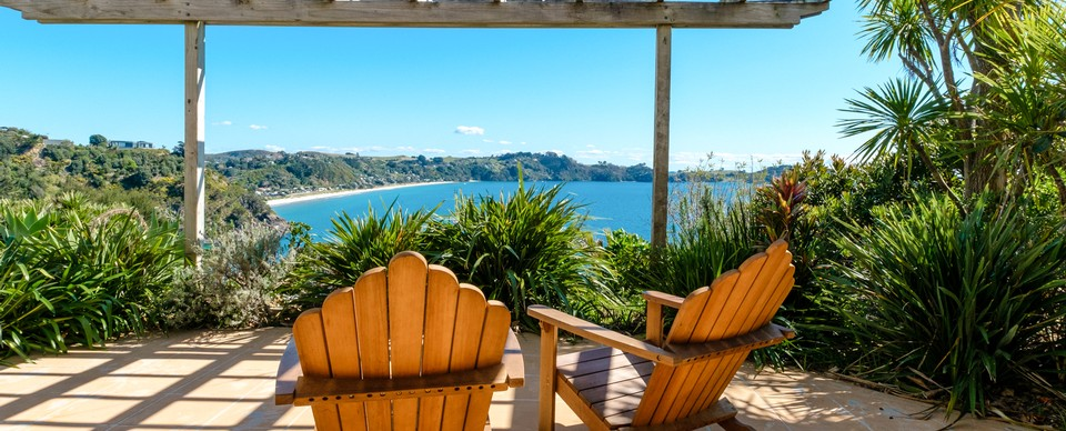 Belle View: Visit Waiheke Holiday Houses