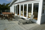 Waiheke Kiwi View Cottage: Deck