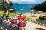 Waiheke Golden Sands: Downstairs deck 2