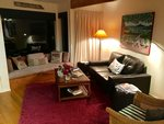 Waiheke Picnic Bay Hideaway: Cozy lounge in the evening