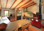 Waiheke Waiheke Escape: Open plan kitchen