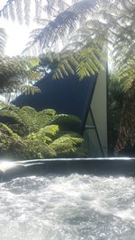 Waiheke Tent House: Spa pool