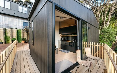 Waiheke Sandy Chalet: Indoor outdoor flow