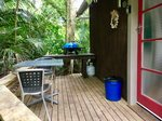 Waiheke Onetangi Cabin: BBQ and deck