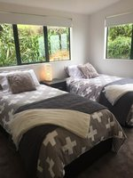 Waiheke Beach Barn: 2nd bedroom at Rocky Bay holiday house